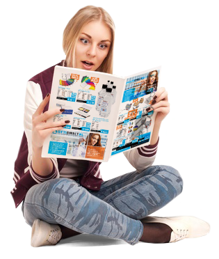 meisje leest tijdschrift